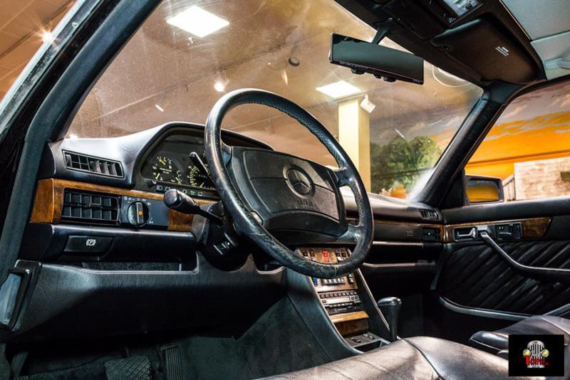 1990 Mercedes-Benz 560-Class 39
