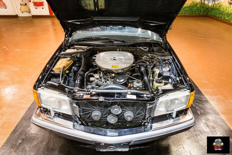 1990 Mercedes-Benz 560-Class 73