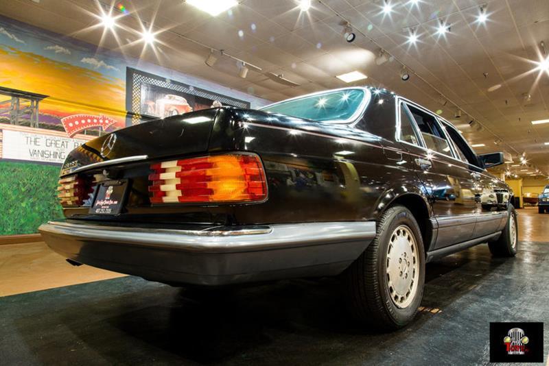 1990 Mercedes-Benz 560-Class 7