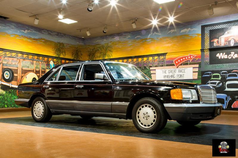 1990 Mercedes-Benz 560-Class 3