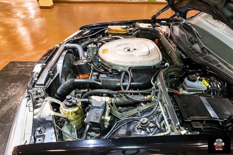 1990 Mercedes-Benz 560-Class 76