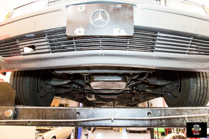 1990 Mercedes-Benz 560-Class 89