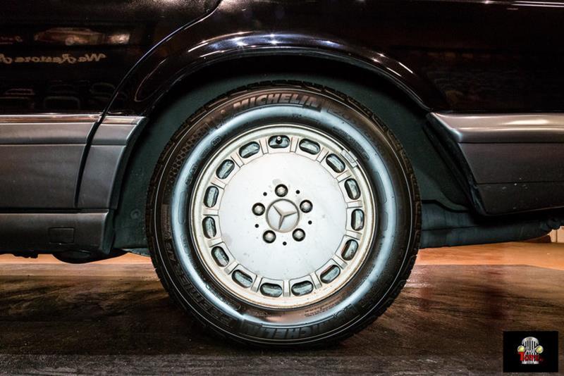1990 Mercedes-Benz 560-Class 80