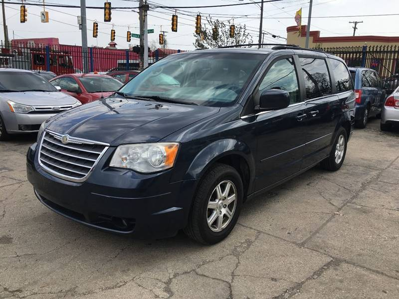 2008 chrysler town and country touring 4dr mini van in detroit mi skyline auto. Black Bedroom Furniture Sets. Home Design Ideas