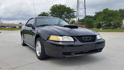 2000 Ford Mustang for sale in Warrensville Heights, OH