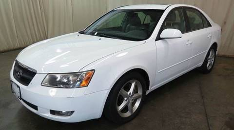2006 Hyundai Sonata for sale at CHAGRIN VALLEY AUTO BROKERS INC in Cleveland OH