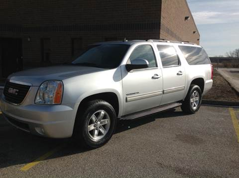 2013 GMC Yukon XL for sale at CHAGRIN VALLEY AUTO BROKERS INC in Cleveland OH