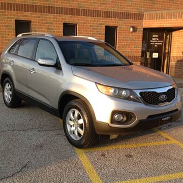 2013 Kia Sorento for sale at CHAGRIN VALLEY AUTO BROKERS INC in Cleveland OH