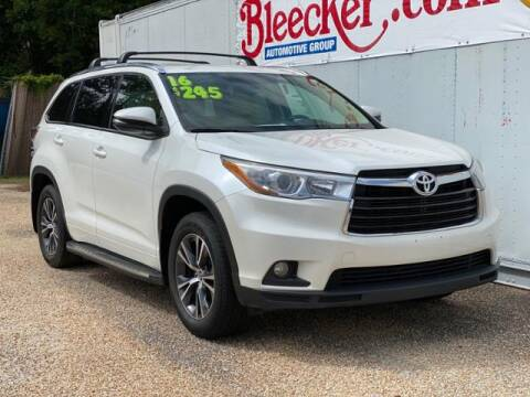 2016 Toyota Highlander XLE for sale at Bleecker Chevrolet in Dunn NC