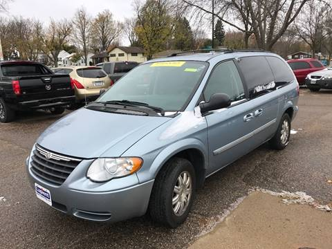 2006 Chrysler Town and Country for sale at El Rancho Auto Sales Display Lot in Marshall MN