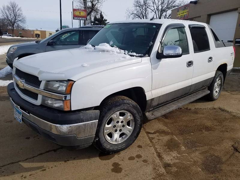 2005 Chevrolet Avalanche for sale at El Rancho Auto Sales in Marshall MN