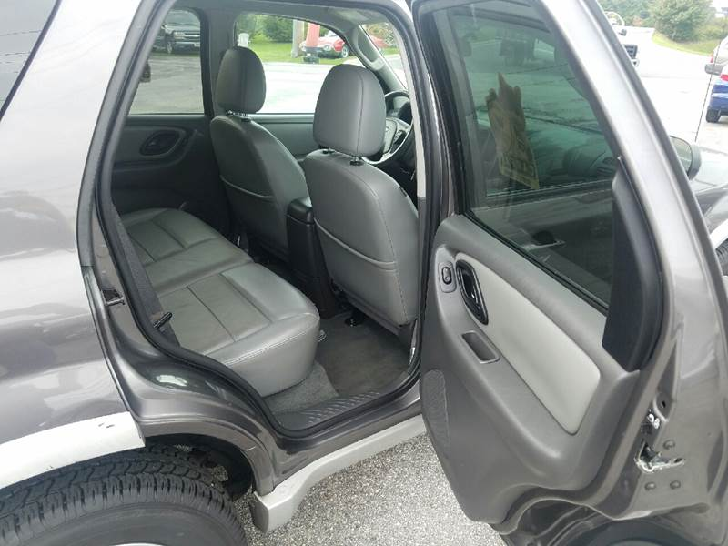 2006 Ford Escape Hybrid AWD 4dr SUV - Westminster MD