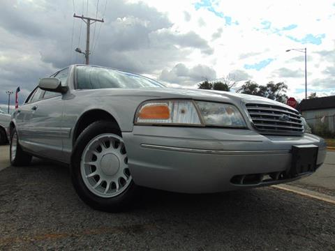 2000 Ford Crown Victoria for sale in Calumet Park, IL