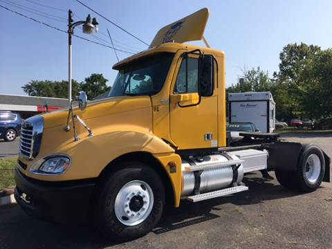 2005 Freightliner Columbia for sale in Akron, OH