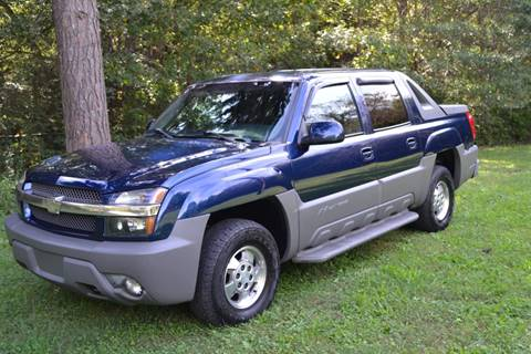 2002 Chevrolet Avalanche for sale at Victory Auto Sales in Randleman NC