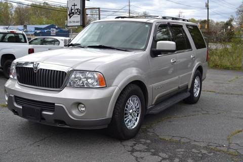 2004 Lincoln Navigator for sale at Victory Auto Sales in Randleman NC