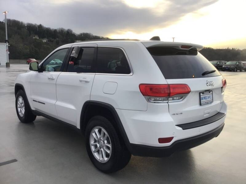 2018 Jeep Grand Cherokee Laredo (image 6)