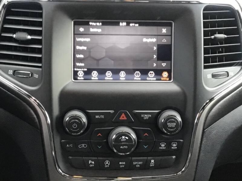 2018 Jeep Grand Cherokee Laredo (image 11)