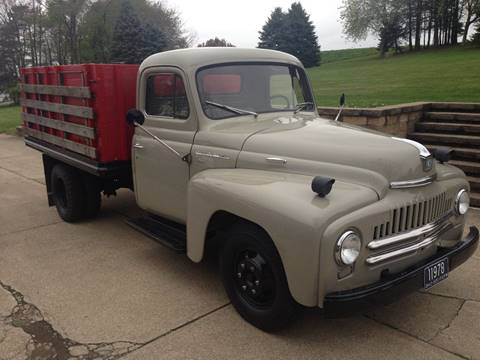 1951 International L 130 for sale in Paris, OH