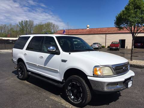 1998 Ford Expedition for sale at Freedom Automotives in Grove City OH