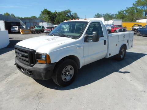 2005 Ford F-350 Super Duty for sale at REV TRUCK AND EQUIPMENT in Lakeland FL