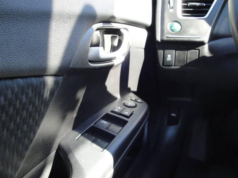 2015 Honda Civic LX (image 19)