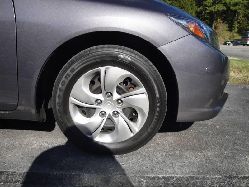 2015 Honda Civic LX (image 31)