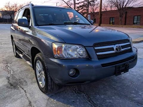 2006 Toyota Highlander Hybrid for sale at Auto Wholesalers Of Rockville in Rockville MD