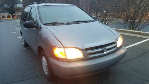 2000 Toyota Sienna for sale at Auto Wholesalers Of Rockville in Rockville MD