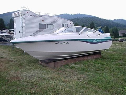1993 Wellcraft 200 NOVA SPYDER