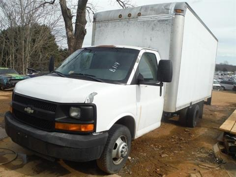 2006 Chevrolet Express Cutaway for sale at East Coast Auto Source Inc. in Bedford VA