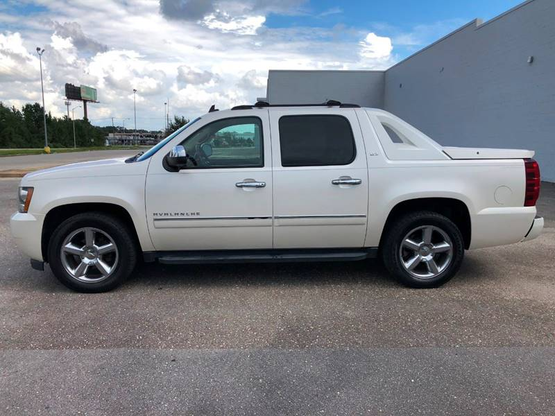 2011 Chevrolet Avalanche for sale at Access Motors Co in Mobile AL