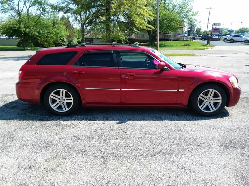 2005 Dodge Magnum for sale at TILTON AUTO SALES INC. in Danville IL