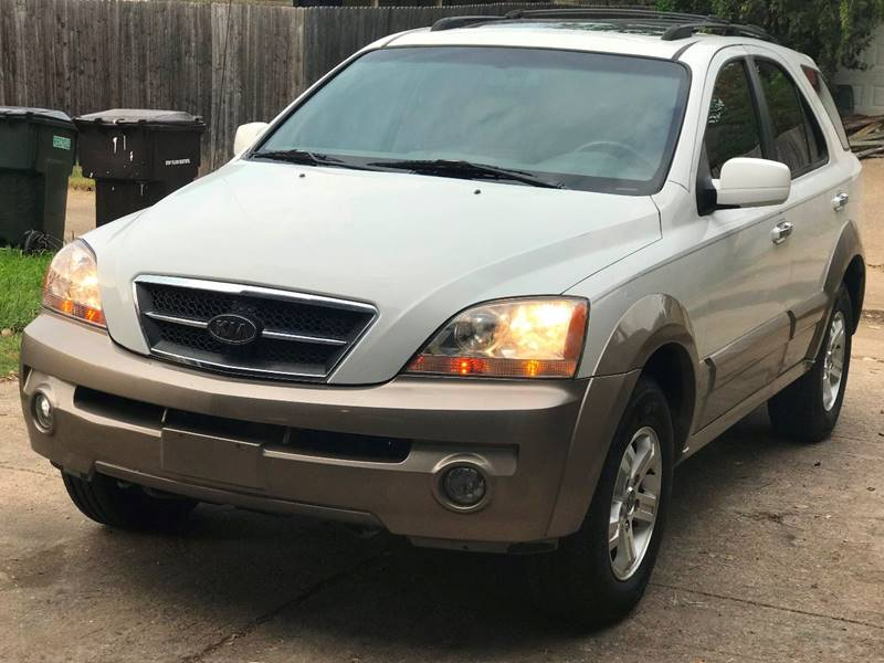 Beautiful 2004 Kia Sorento EX