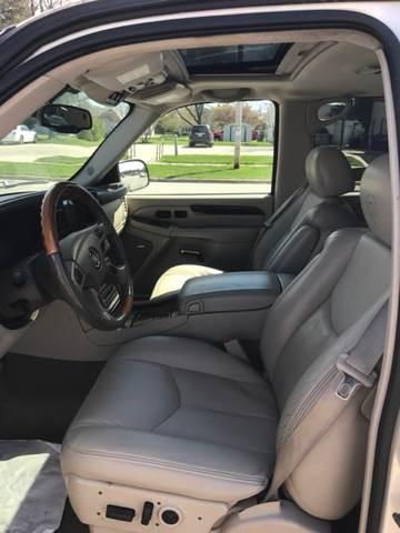 2004 Cadillac Escalade AWD 4dr SUV - Pulaski WI