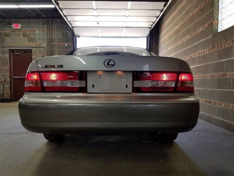 2000 Lexus ES 300 4dr Sedan - Villa Park IL