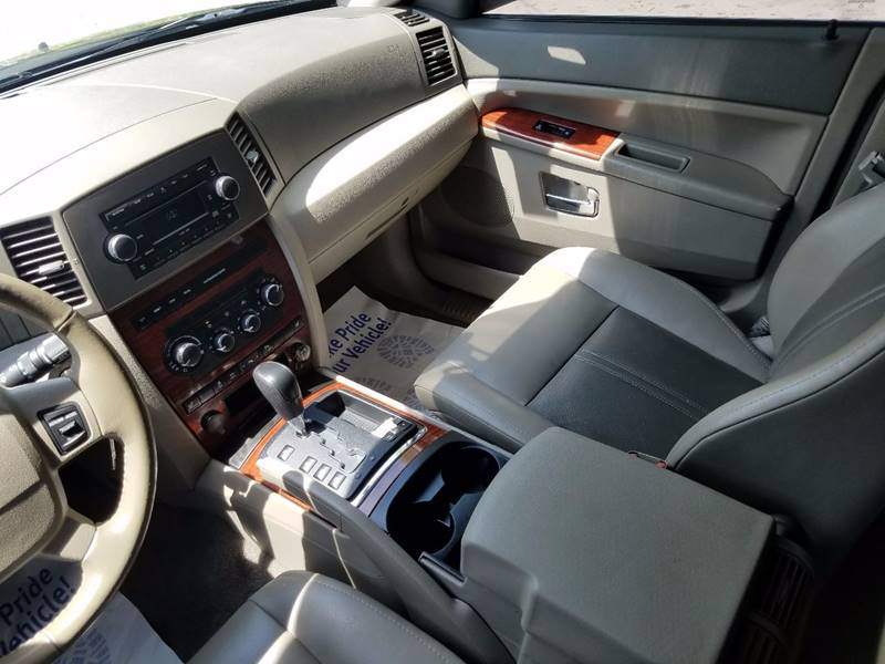 2006 Jeep Grand Cherokee Limited 4dr SUV 4WD w/ Front Side Airbags - Villa Park IL