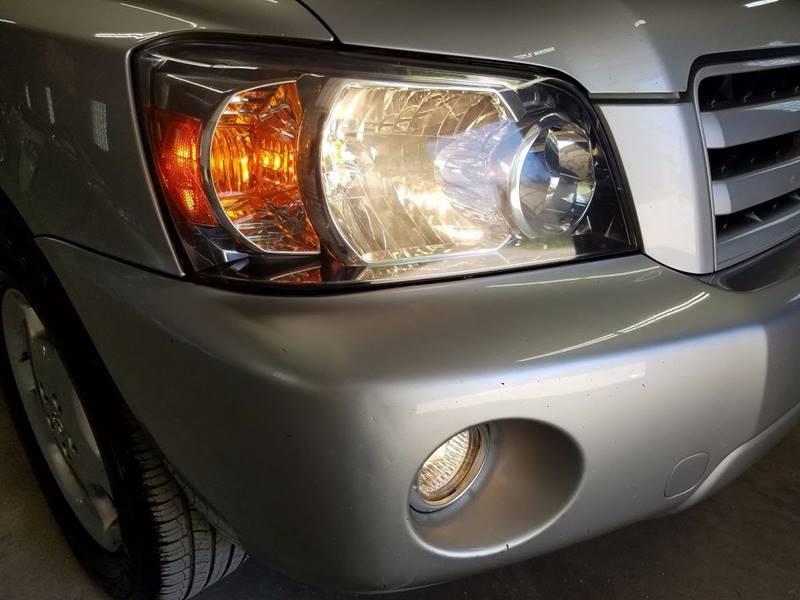 2004 Toyota Highlander AWD Limited 4dr SUV w/3rd Row - Villa Park IL