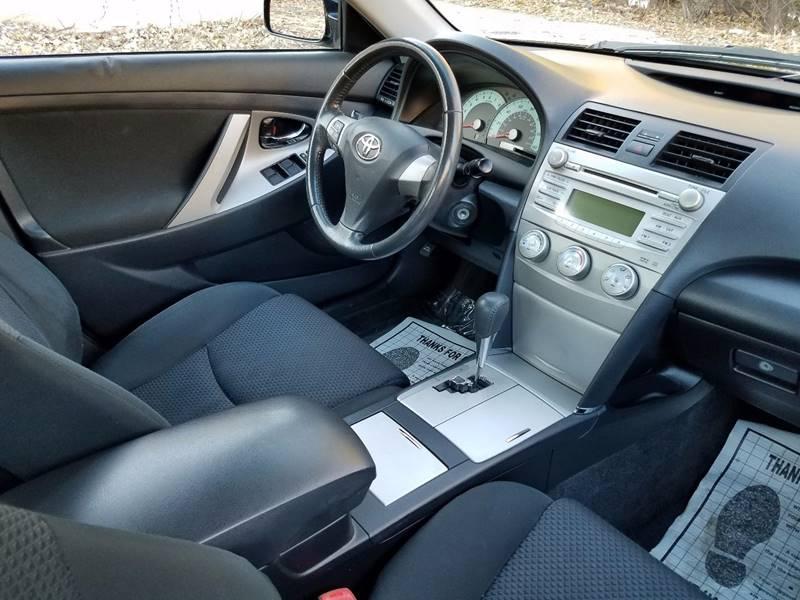 2011 Toyota Camry SE 4dr Sedan 6A - Villa Park IL