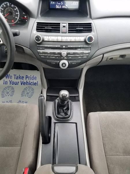 2010 Honda Accord LX-P 4dr Sedan 5M - Villa Park IL