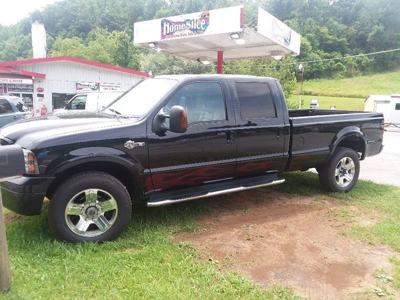 2005 Ford F-350 Super Duty for sale at T & P Auto Sales in Abingdon VA