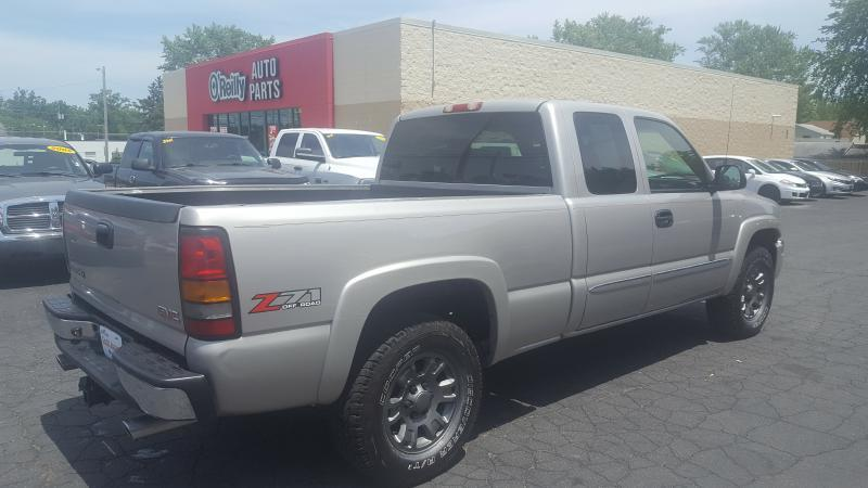 2005 GMC Sierra 1500 for sale at Yes! Automotive in Fort Wayne IN