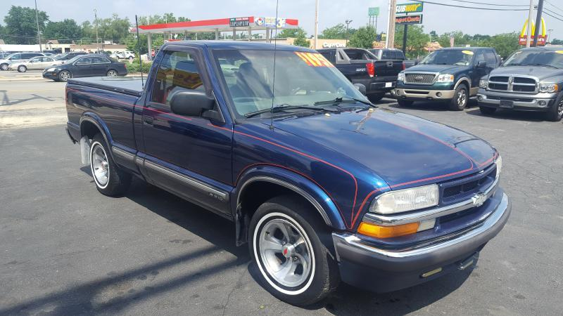 2000 Chevrolet S-10 for sale at Yes! Automotive in Fort Wayne IN