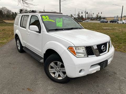 2005 Nissan Pathfinder for sale at ETNA AUTO SALES LLC in Etna OH