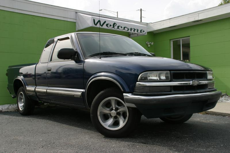 2000 Chevrolet S-10 for sale at Caesars Auto Sales in Longwood FL