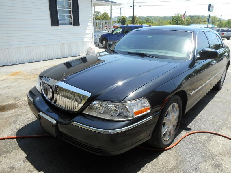 2011 Lincoln Town Car Executive L 4dr Sedan - Knoxville TN