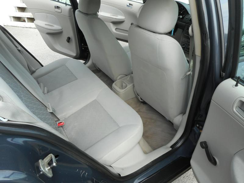 2009 Chevrolet Cobalt LS 4dr Sedan w/ 1LS - Knoxville TN