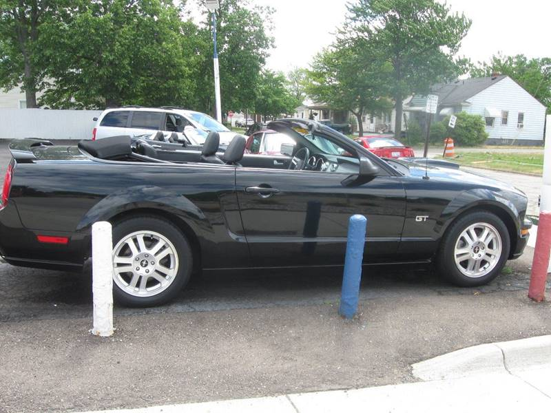 2007 Ford Mustang GT Premium 2dr Convertible - Wyandotte MI