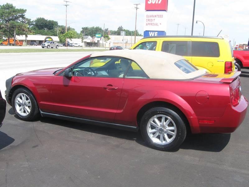 2006 Ford Mustang V6 Premium 2dr Convertible - Wyandotte MI