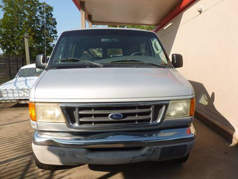 2004 Ford E-Series Wagon for sale at FORD'S AUTO SALES in Houston TX
